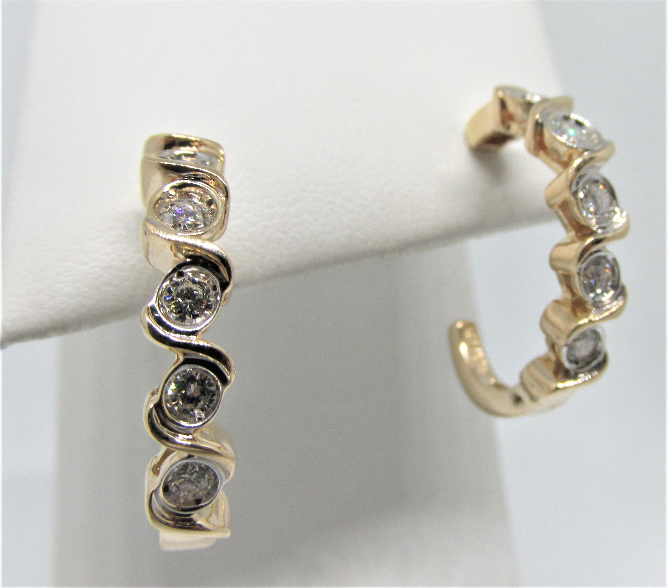 14kyg J Hoops With 10 Diamonds Totaling 0 50ct