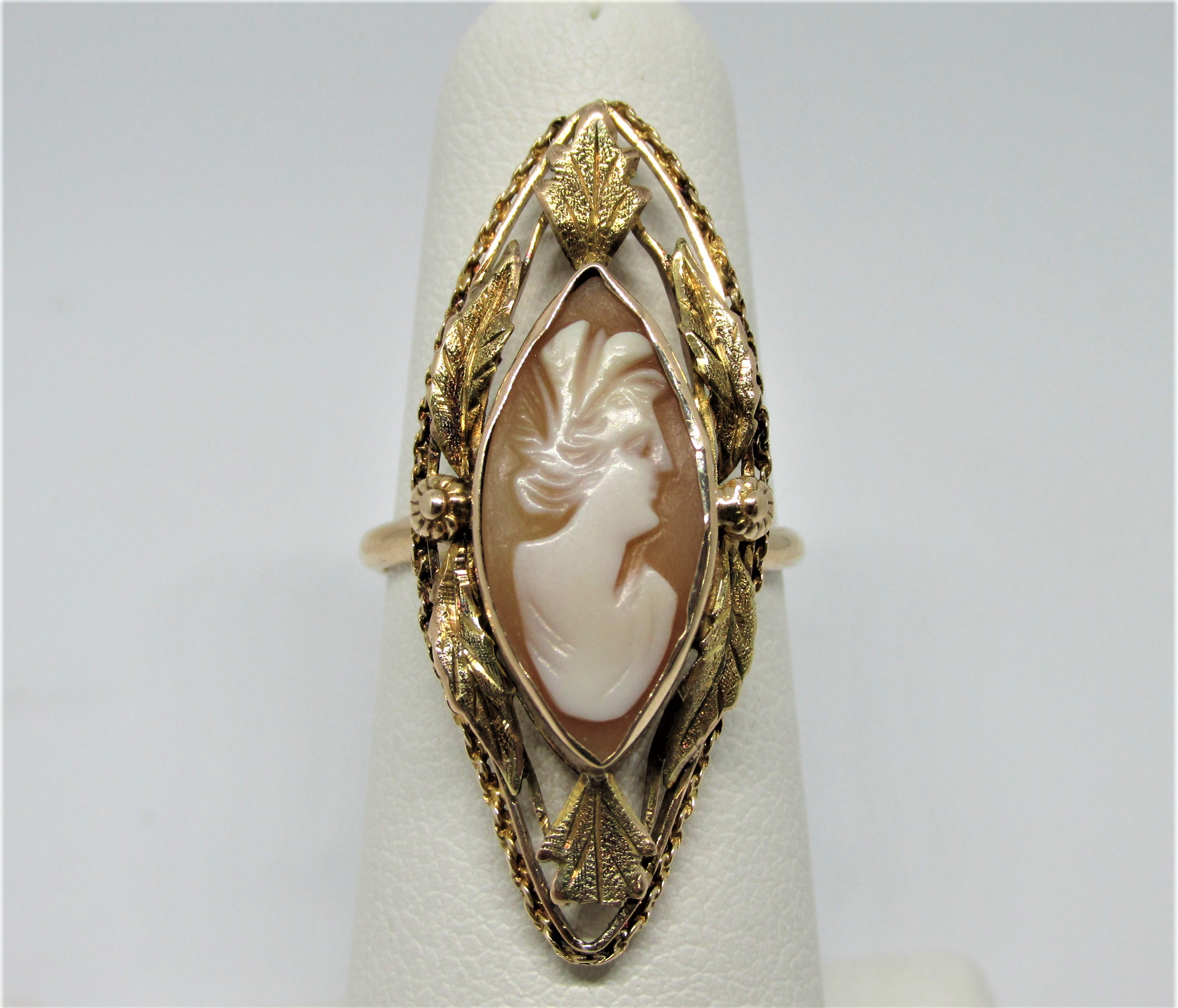 10kyg Vintage Marquise Shape Cameo Ring